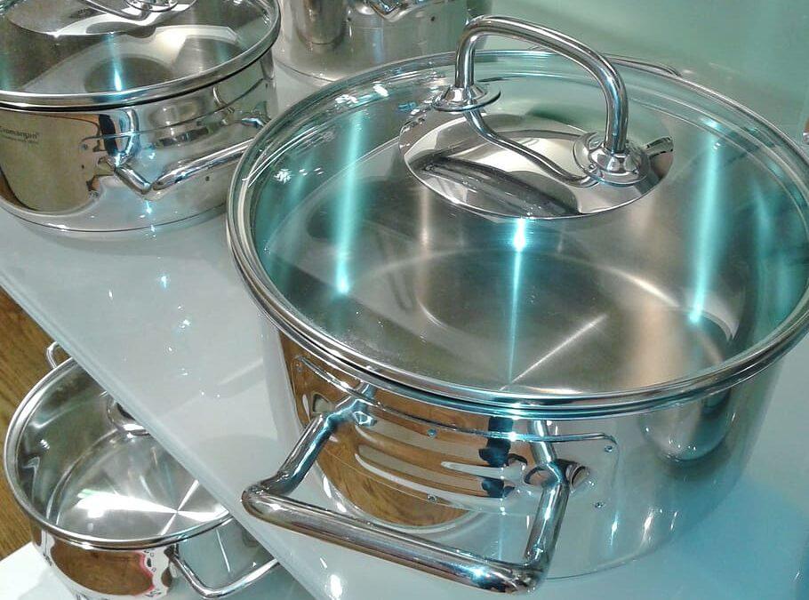 Elimina la suciedad y manchas de tus sartenes y ollas de la manera mas fácil en tu casa.